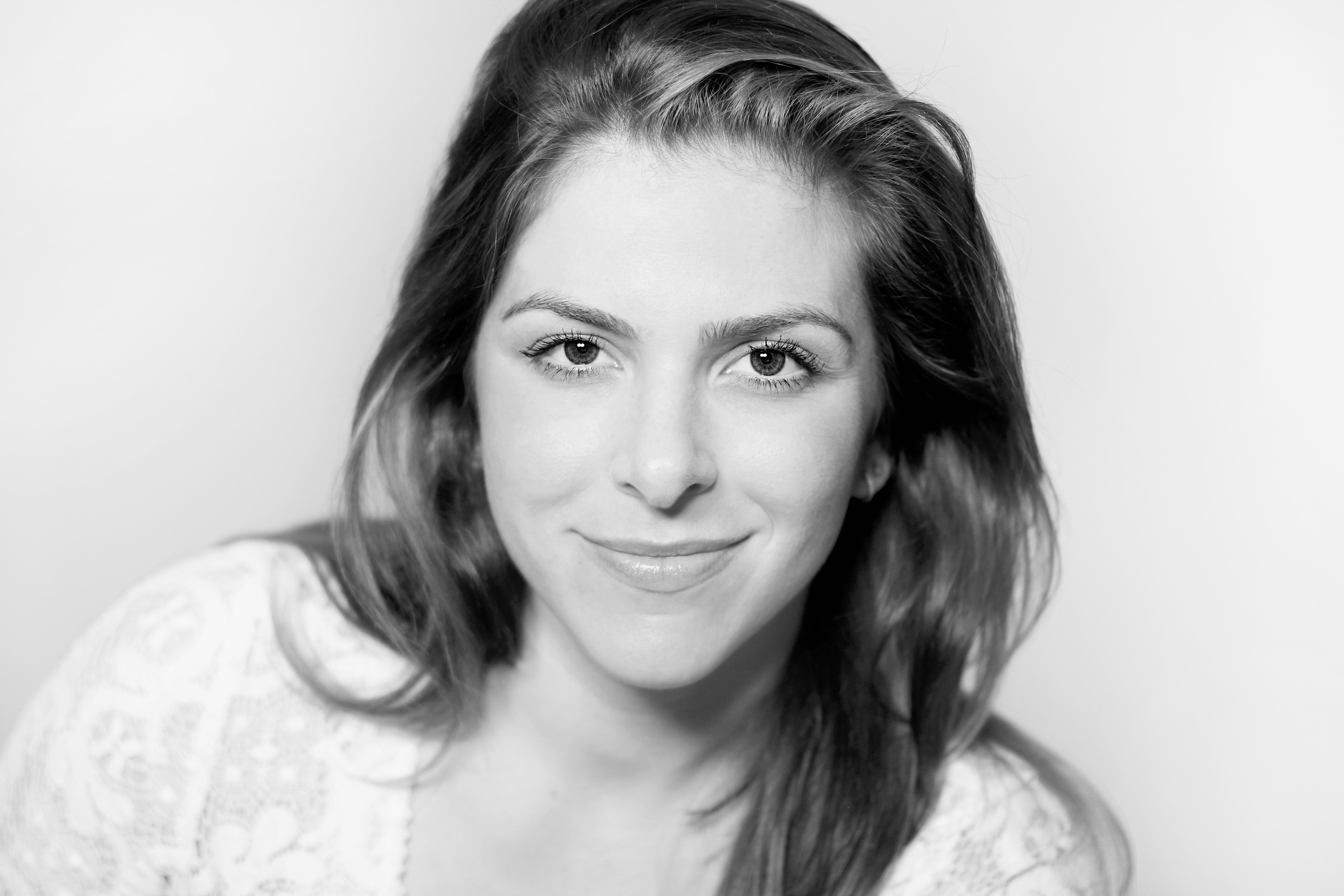Alexa Kahn Female Voiceover Artist